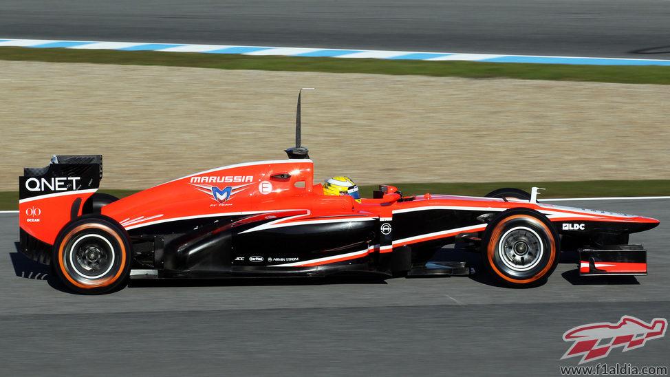 Vista lateral del MR02 conducido por Luiz Razia