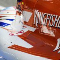 Paul di Resta en el pitlane de Jerez
