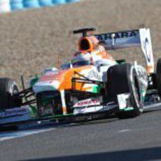 Paul di Resta pasa por la recta de Jerez