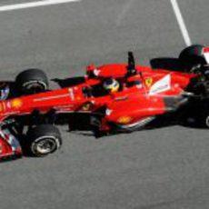 Pedro de la Rosa rueda por la recta de Jerez
