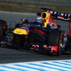 Sebastian Vettel pilota su nuevo monoplaza en Jerez