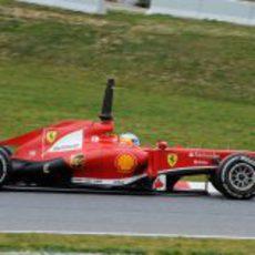Fernando Alonso rodando en pretemporada