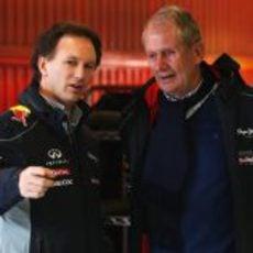 Christian Horner y Helmut Marko charla en Montmeló
