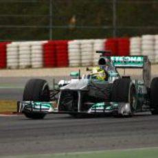 Nico Rosberg pilota el W04 en los test de Montmeló