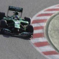 Charles Pic en la primera curva del Circuit