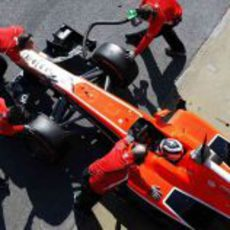 Max Chilton con el MR02 entrando de boxes