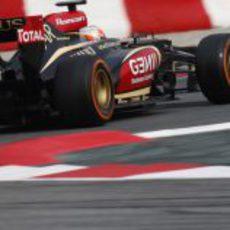 Romain Grosjean con el Lotus E21