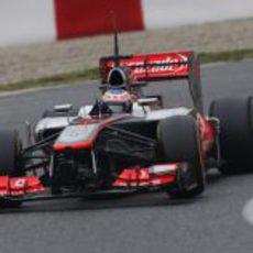 Jenson Button afrontando la curva 5 de Montmeló