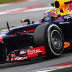 Mark Webber con el RB9 en Montmeló
