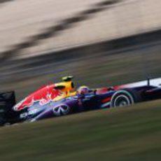 Mark Webber rompe el viento en Barcelona