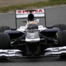 Pastor Maldonado rodando con intermedios