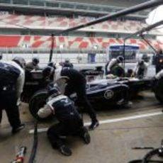 Cambio de neumáticos de Pastor Maldonado