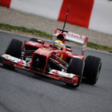 Felipe Massa en la curva 5 del Circuit de Catalunya