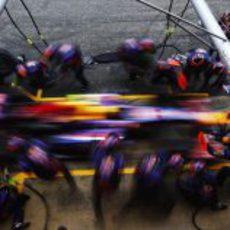 Pit stop para el equipo Red Bull