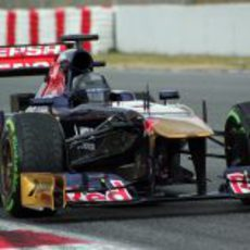Daniel Ricciardo realiza pruebas con el casco