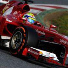 Felipe Massa con neumáticos duros en su último día de test