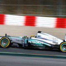 Lewis Hamilton marcó el mejor tiempo en su último día de test