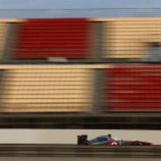 Sergio Pérez a toda velocidad con McLaren en Barcelona