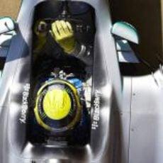 Nico Rosberg sale de boxes con su Mercedes W04