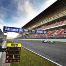 Nico Rosberg voló en el último día de test en el Circuit de Catalunya