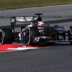 Nico Hülkenberg ataca la chicane del Circuit de Catalunya
