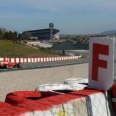 Fernando Alonso rueda con superblandos