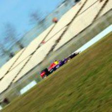 Sebastian Vettel prueba el RB9 en el último día de test en Barcelona