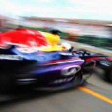 Sebastian Vettel sale a pista en Albert Park