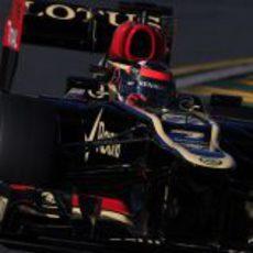 Kimi Räikkönen pilota el E21 en Melbourne