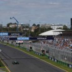 Charles Pic completa otra vuelta más al circuito de Melbourne