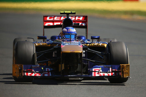 Daniel Ricciardo disputa los Libres 1 del GP de Australia 2013