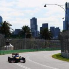 Daniel Ricciardo rueda una vuelta más en Albert Park