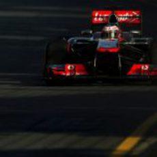 Jenson Button se quejó del ritmo del MP4-28 en los primeros libres de Australia