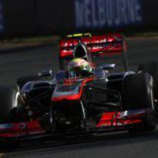 Sergio Pérez no tuvo buen ritmo en los Libres 1 y 2 del GP de Australia 2013