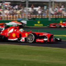 Los dos Ferrari rodando en pista