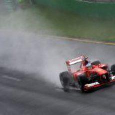 Mucho spray por parte de los coches