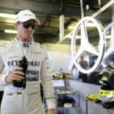 Nico Rosberg en su box