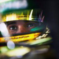 Primer plano de Lewis Hamilton