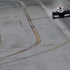 Pastor Maldonado rodando en la parte ancha