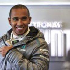 Lewis Hamilton sonríe, las sensaciones del W04 son buenas