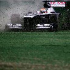 Pastor Maldonado pierde el control del FW35