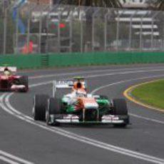 Adrian Sutil lideró una parte del GP de Australia 2013