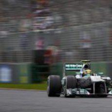 Lewis Hamilton se estrena con puntos