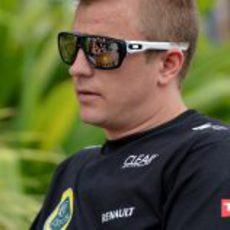 Kimi Räikkönen disfruta del sol de Sepang