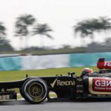 Kimi Räikkönen se mostró rápido en Sepang