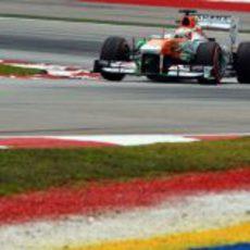 Paul di Resta cayó en la Q2 en Malasia