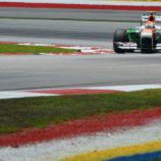 Adrian Sutil mostró muy buen ritmo en seco