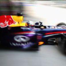 Sebastian Vettel sale con medios para marcar un buen tiempo en Q1
