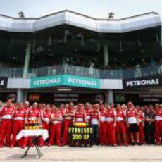 Foto de equipo de Ferrari en Sepang