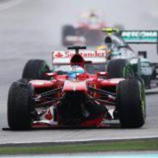 Fernando Alonso abandona el Gran Premio de Malasia 2013
